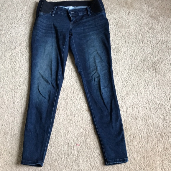 Ingrid & Isabel Maternity Denim - Maternity dark denim stretch jeans w/ low band 🌹